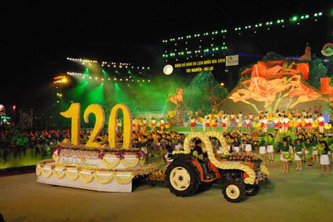 Festival Hoa Đà Lạt - sự kiện thu hút hàng nghìn khách du lịch
